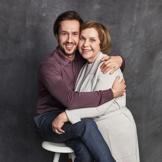 Егор Корешков с мамой