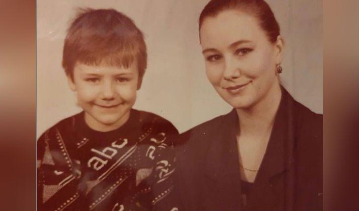 Иван Жидков с мамой