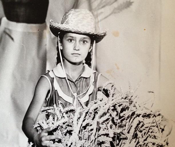 Виктория Исакова в детстве