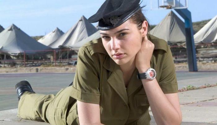 Алона Тал в армии