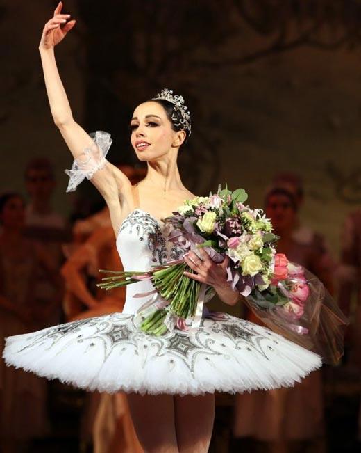 Екатерина Кухар на сцене